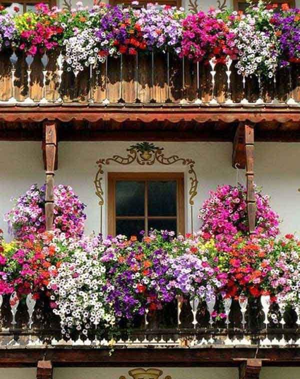 AD-Spectacular-Balcony-Garden-11