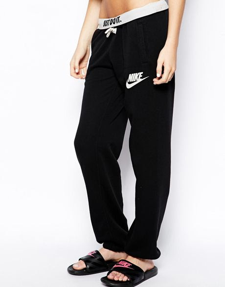 nike loose sweat pants in black  lyst