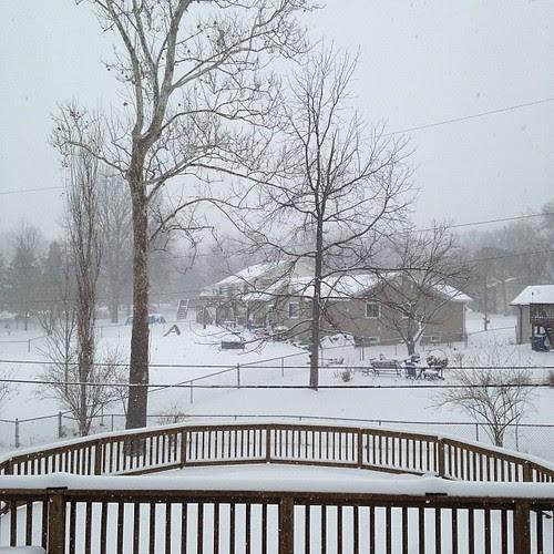 Let it snow .. Let it snow by Fitri D. // Rumah Manis