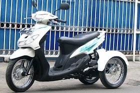 Sketsa Motor Scoopy