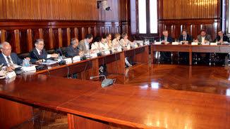 Oriol Junqueras, reunit per presentar els pressupostos del 2016 amb tots els grups parlamentaris, menys la CUP (ACN)