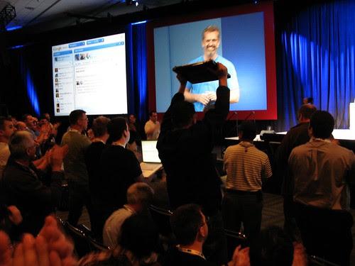 Google Wave ovation by quaelin.