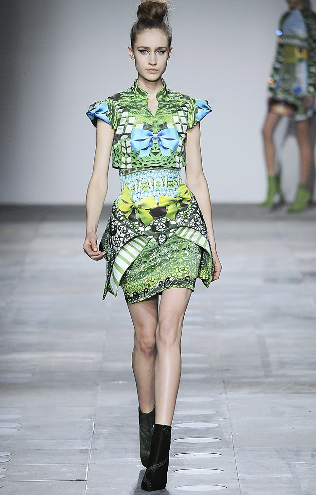 7 Mary_Katrantzou_AW12_Catwalk_Look_25_Photographer_First_View