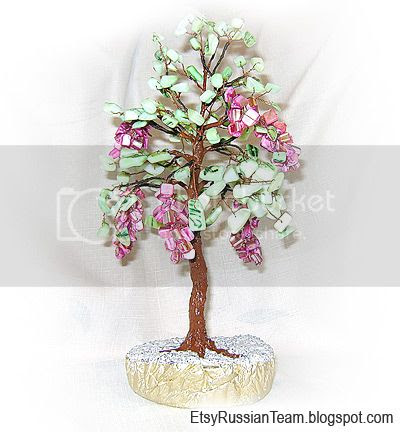 Bonsai tree of wire and beads