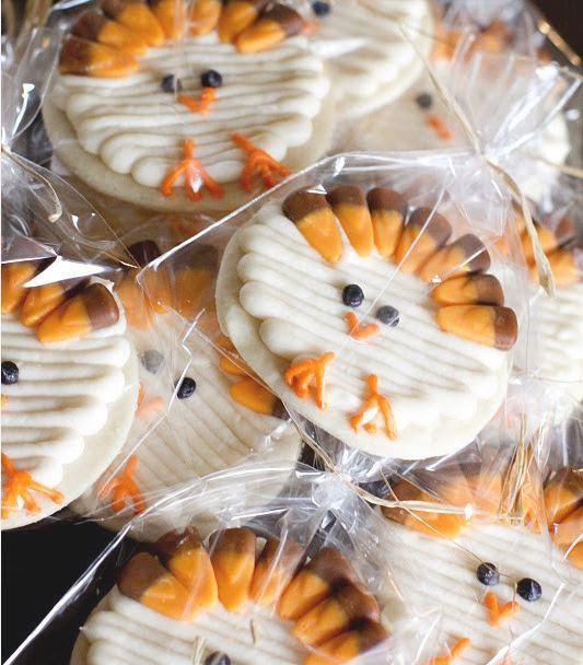 Revisiting Creative Thanksgiving Turkey Desserts Faith Hope Love Luck Survive Despite A Whiskered Accomplice