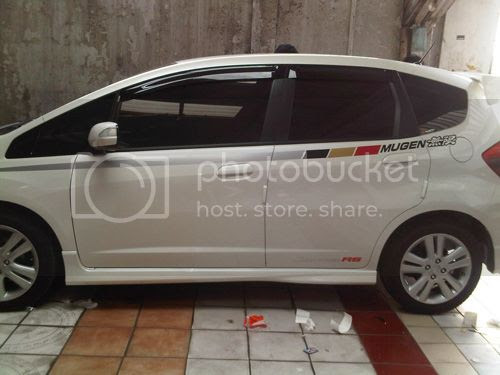 Jual STICKER NISSAN JUKE STIKER LIST RACING ISTIMIEWA ALL ...