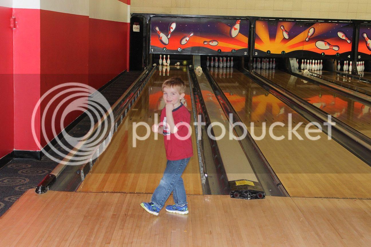 photo bowling9_zpss5ithe1x.jpg