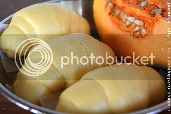 Steamed Pumpkin Buns2