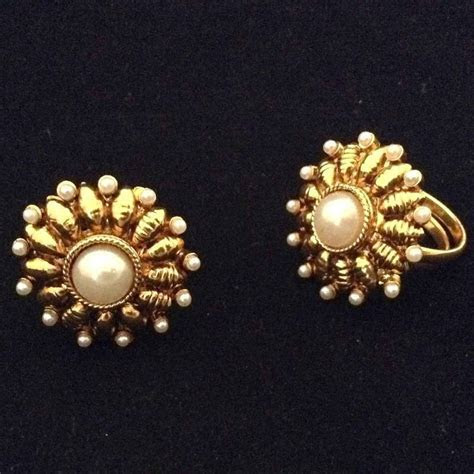 Buy Adjustable Pearl Flower golden traditional toe ring