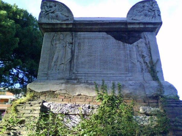 File:Tomba di Nerone.jpg