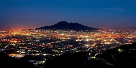 Napoli non è la città con più napoletani al mondo: l