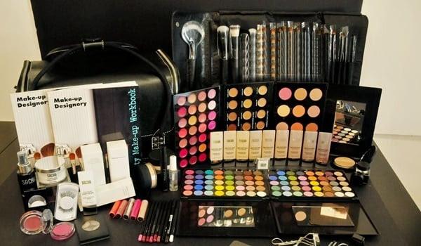 Professional makeup kit list