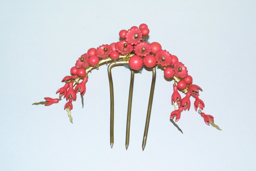 1850s Coral hair comb, from Historic New England.