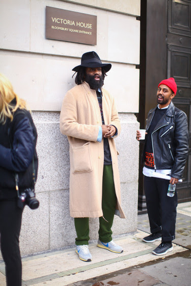 207-a-selection-of-the-best-street-looks-during-london-fashion-week-by-fucking-young-8
