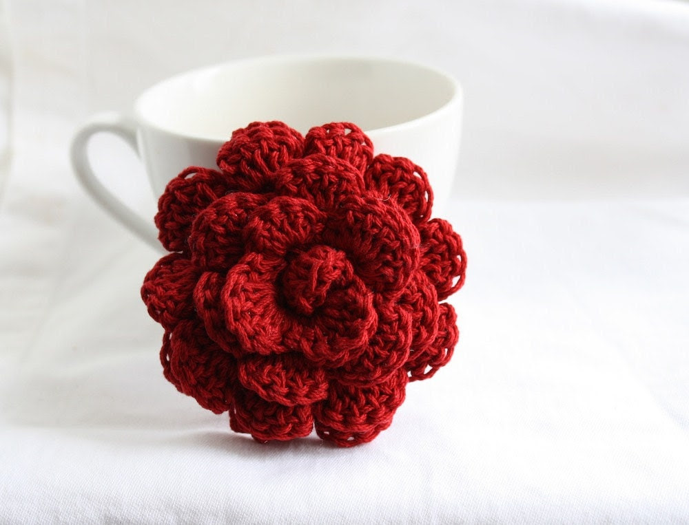Flower Brooch, Classic Red Rose Pin, Crochet Pin, Flower Pin, Bridesmaids Accessory Gift, Cotton - HappyFortune