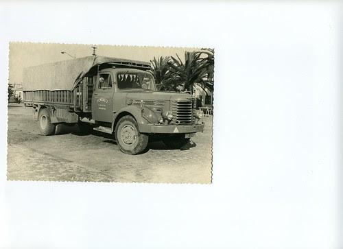 Camió HINO amb caixa de fusta pertanyent al Sr. Gonzalo García de la ciutat de Barcelona