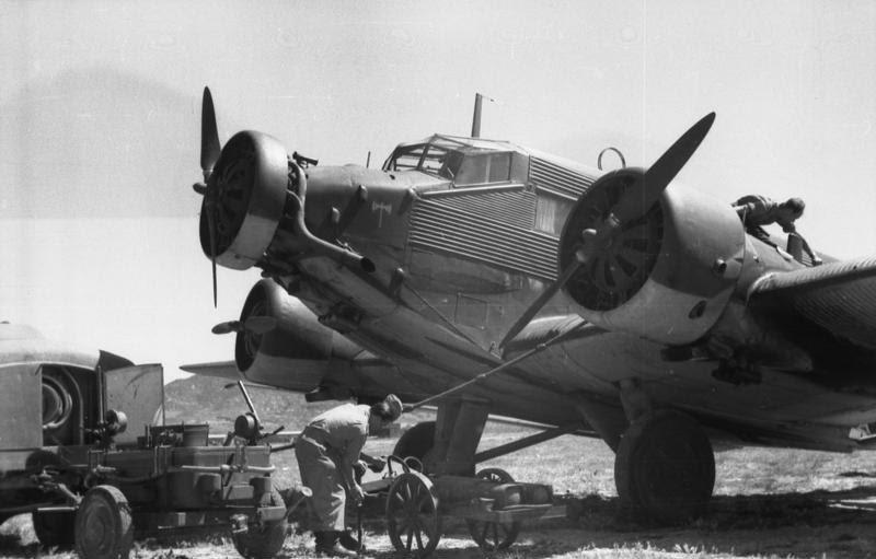 File:Bundesarchiv Bild 101I-026-0122-32A, Griechenland, Kreta, Ju 52.jpg