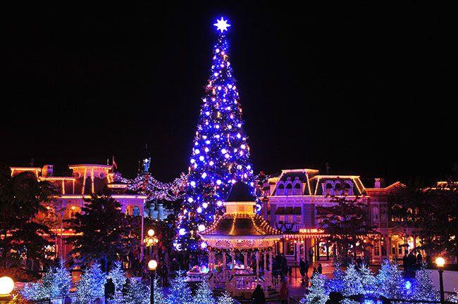 photo 20-DisneyNoeumll-Sapin_geacuteant_zps89677b04.jpg
