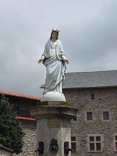 statue vierge malzieu.jpg