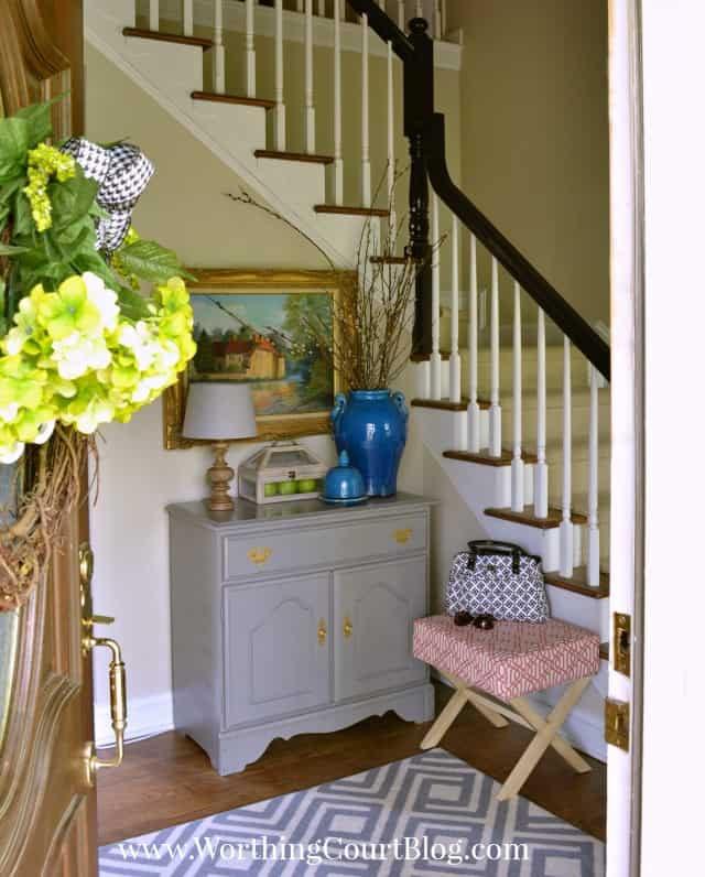 Foyer decor
