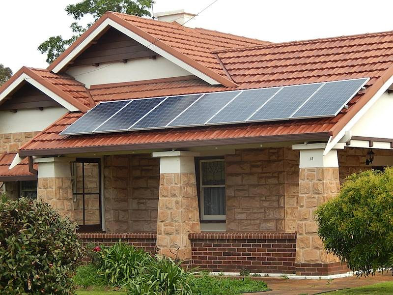primera batería recargable solar