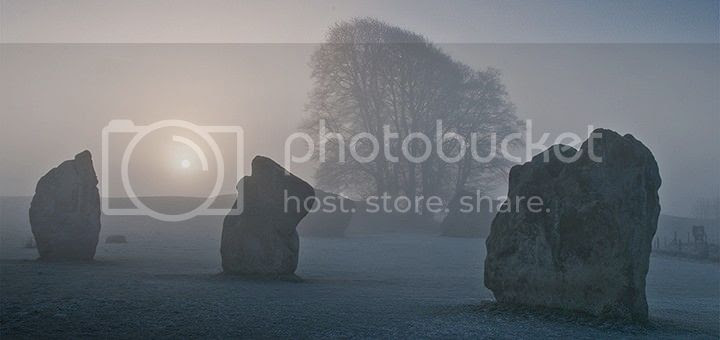 photo Avebury-Wiltshire-1-720x340_zpsddb66vc6.jpg