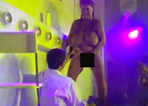 Stripper fez sexo com frequentador no palco. (Foto: Reprodução)
