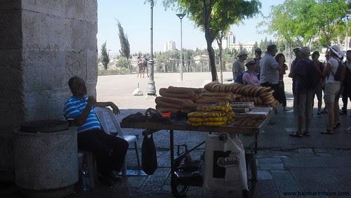 Food_stand_at_Old_Jerusalem