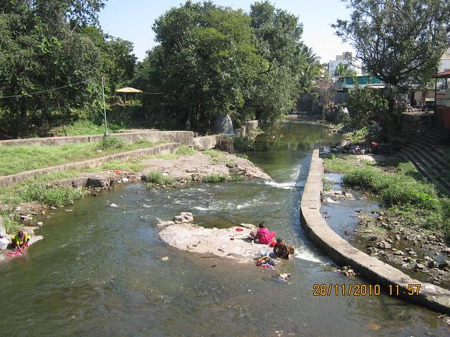 """Visit to Mont Vert Dieu """"C"""" - 2 BHK - 3 BHK Flats - next to Balaji Temple - on Pashan Sus Road - Pune 411 021 - RamNadi"""