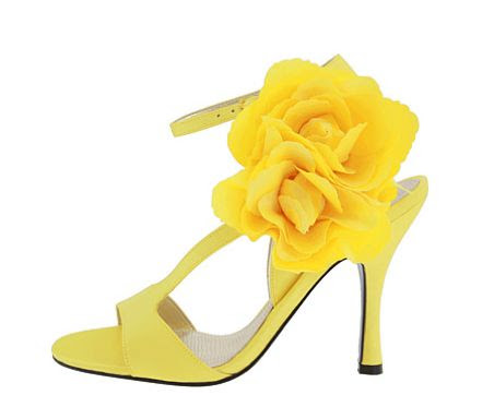 yellow  heels with roses