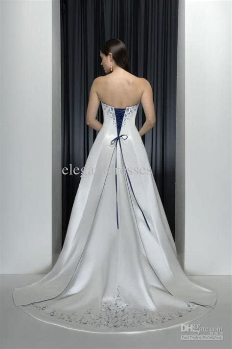 Wholesale classic style strapless with blue embroidery