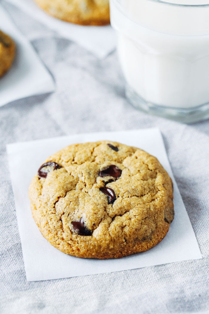 The Best Vegan and Gluten-free Chocolate Chip Cookies ...