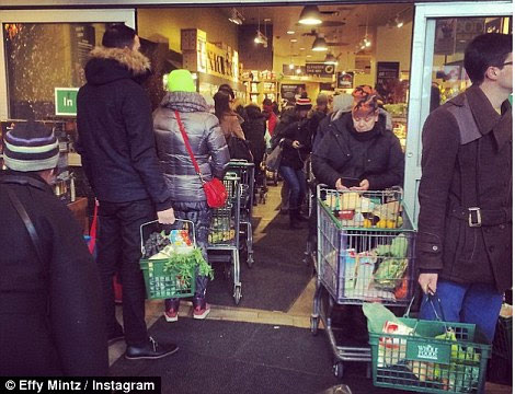 When Real Disaster Strikes: These Are The People Who Will Loot, Pillage and Kill You For Your Food snow storm 2