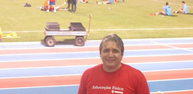 Professor Carlos Costa trabalhou para atender as especificações da visita da seleção espanhola