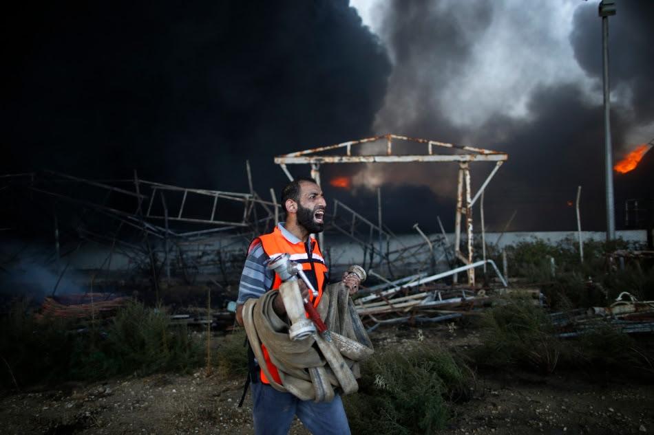 Israel bombardea la única central eléctrica de Gaza