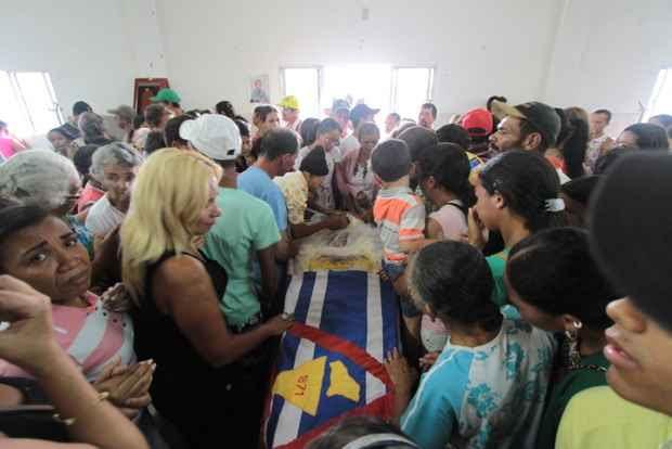 As vítimas foram sepultadas em uma cerimônia coletiva na cidade. Foto: Annaclarice Almeida/DP/D.A Press