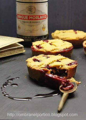 Crostatine ciliegie e Sangue Morlacco