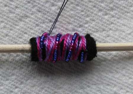 16-rolled-felt-bead-small