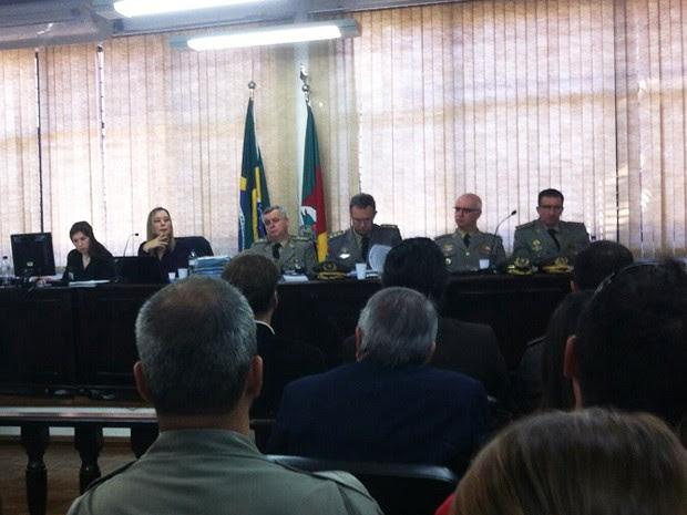 Justiça Militar julga réus do caso da Boate Kiss em Santa Maria (Foto: Vanessa Backes/RBS TV)