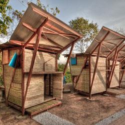 Ide Menarik Membuat Kios Warung  dari  Bambu  Kumpulan