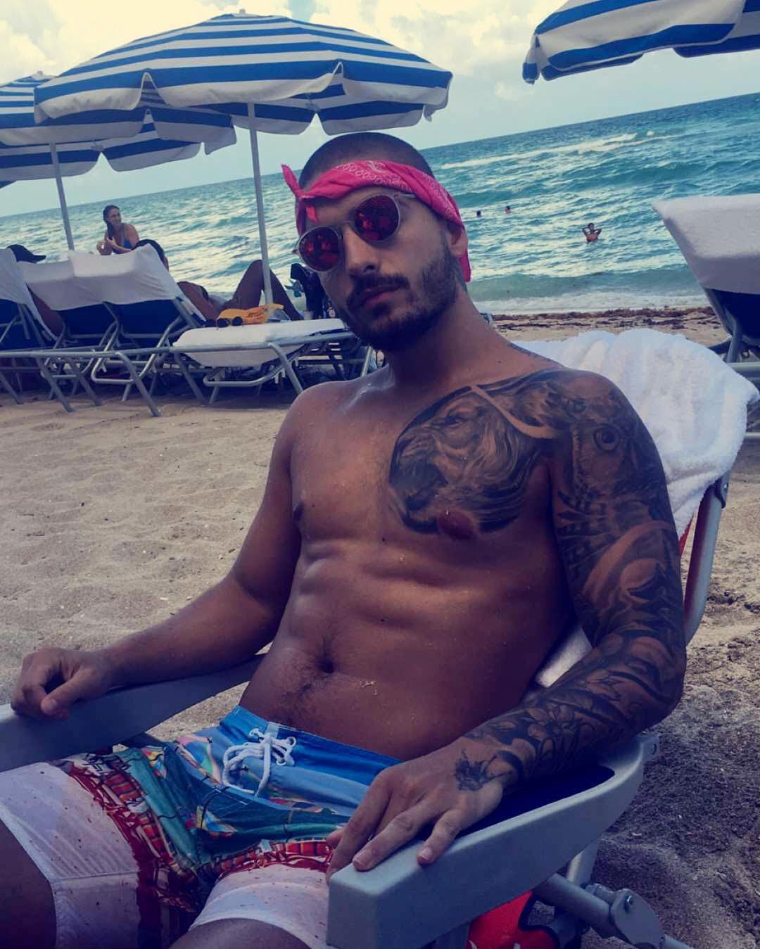 Maluma Nos Cuenta El Significado De Sus Tatuajes Videos Y Fotos