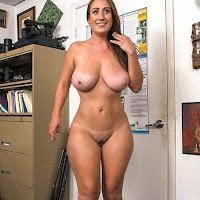 Morena sexy novata no porno