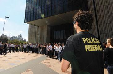 """No ato, os policiais irão """"pendurar as algemas"""" contra o boicote imposto pelo atual governo (Euler Junior/EM/D.A Press)"""