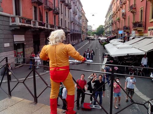 L'uomo biondo, addio celibato! by Ylbert Durishti