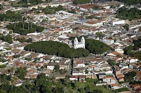 http://www.ferias.tur.br/imgs/1016/saogoncalodoscampos/g_vista-aerea-do-centro-de-sao-goncalo-dos-campos-ba-fotoskyscrapercity.jpg