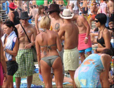 Beach goers2