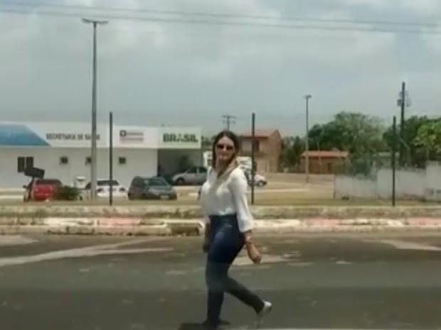 Ex-prefeita de Bom Jardim recebe visita em quartel em São Luís (Foto: Reprodução/G1)