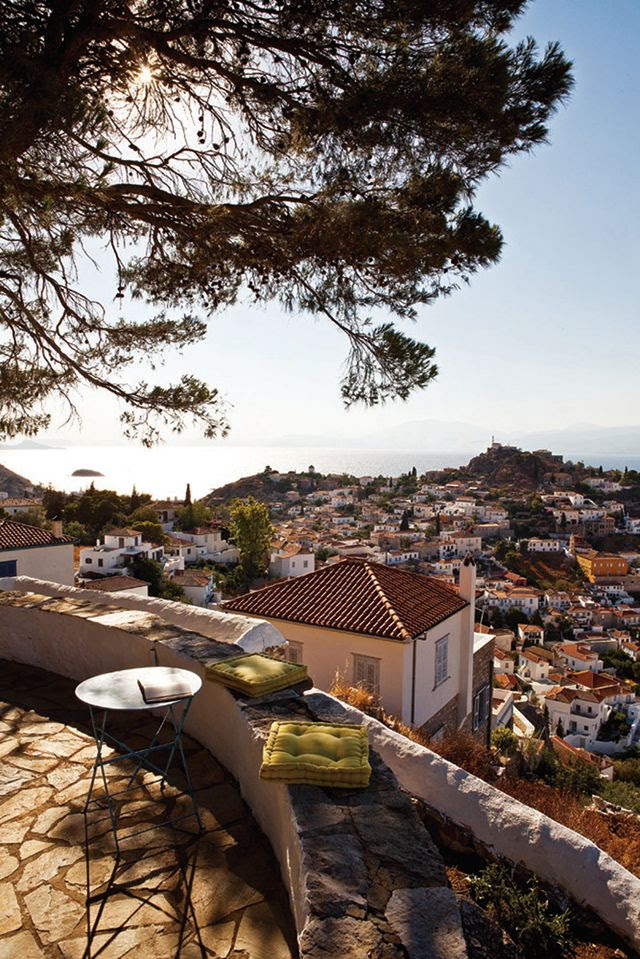 A BEAUTIFUL HISTORIC HOME ON THE GREEK ISLAND OF HYDRA | THE STYLE FILES