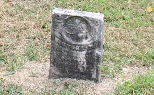 Tombstone of Victoria Brassfield