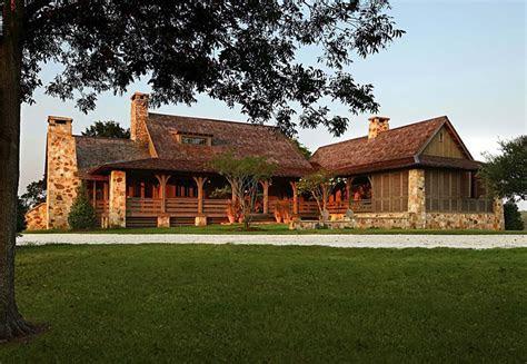 Rustic meets modern: A farmhouse in rural Alabama   One Kindesign